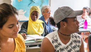 Gender-sensitive education and training for the integration of third-country nationals